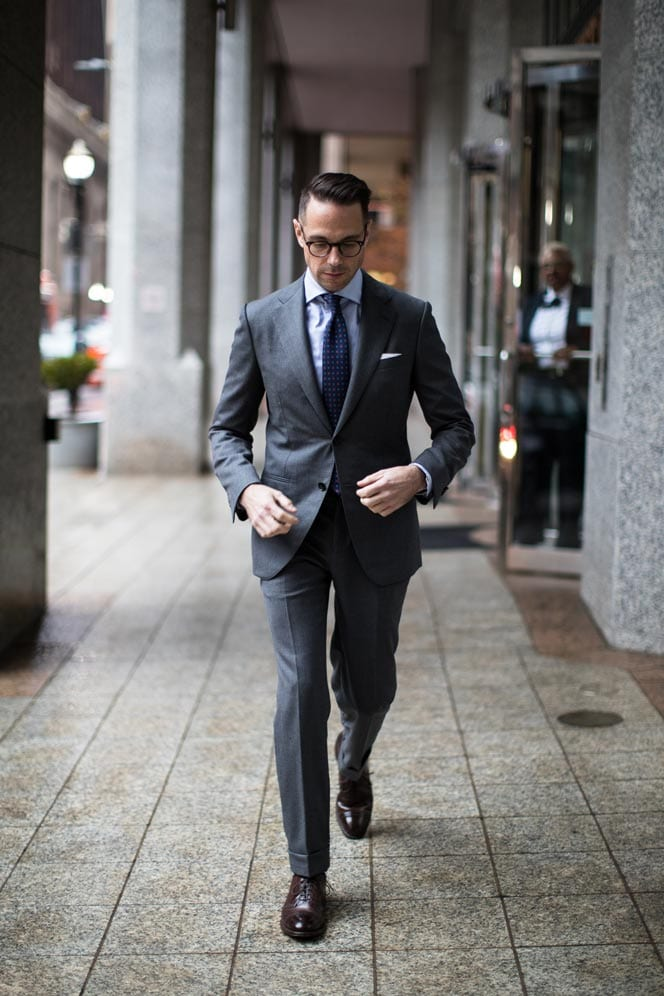 how-to-wear-charcoal-grey-suit-for-business