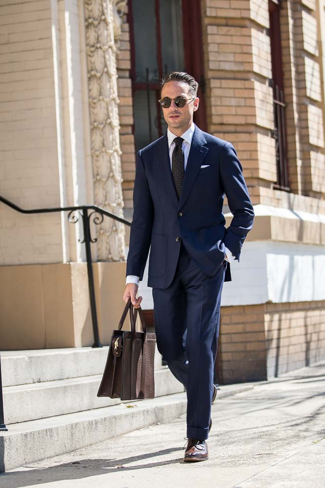 ways-to-wear-navy-blue-suit-job-interview-business